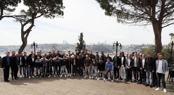 Fenebahçeli futbolcular Kayserispor maçından önce yemekte buluştu