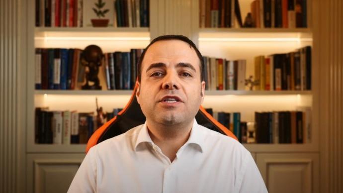 Prof. Demirtaş, GameStop'taki büyük oyunun perde arkasını anlattı…