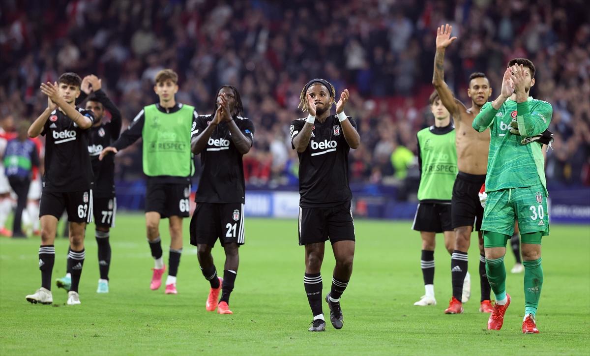 """Beşiktaş Ajax maçını kaybetti, ama Sergen Yalçın, """"memnunum"""" dedi"""