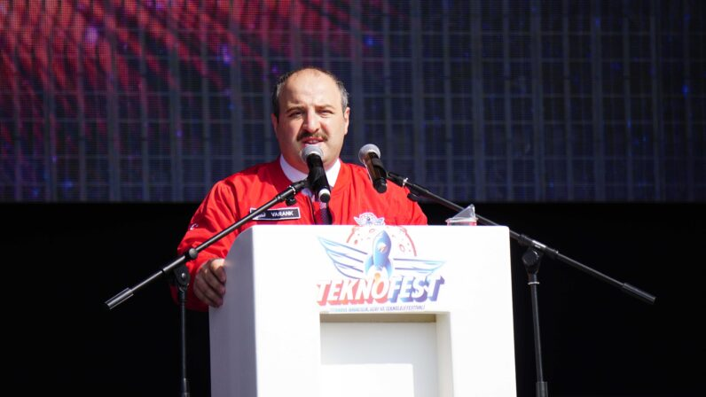 """""""Biz Türkiye'nin otomobili projesini, milli bir proje olarak görüyoruz"""""""