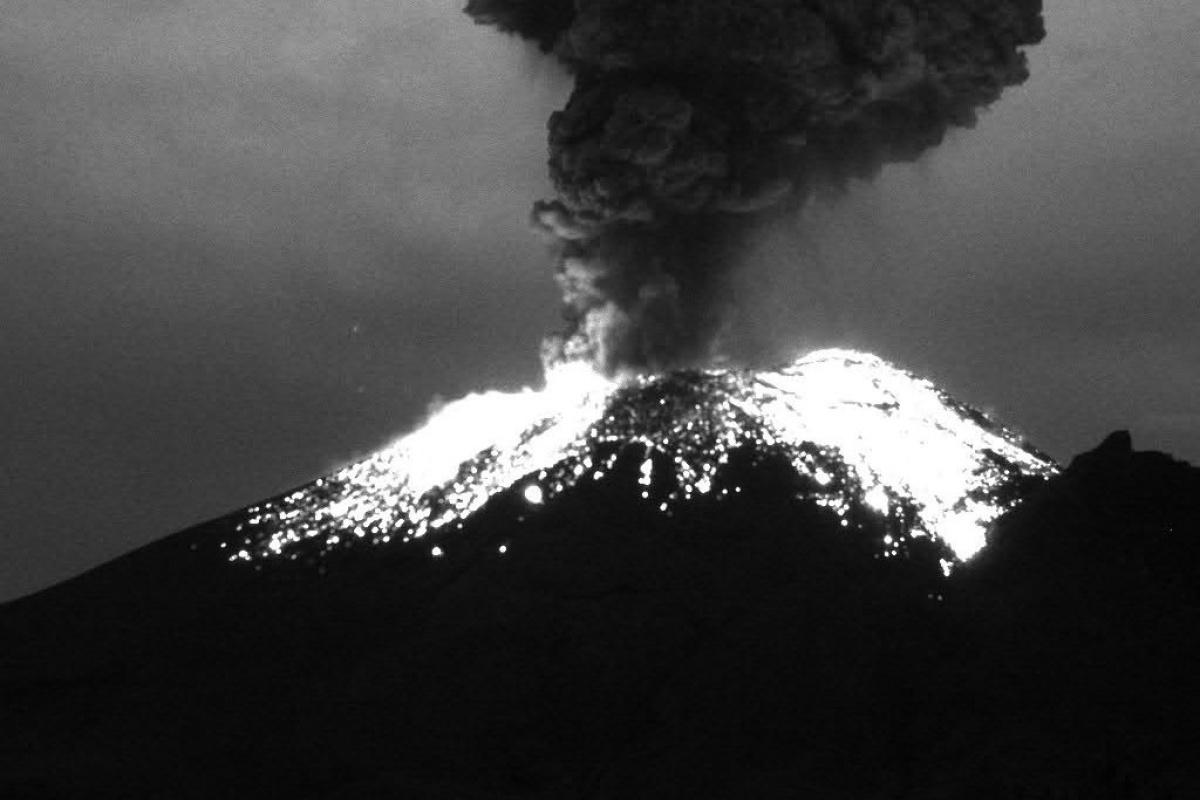 Popocatepetl Yanardağı'ndaki patlamalar korkuttu
