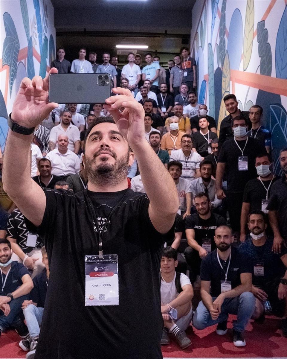 Webmaster platformu r10.net, genç bilişimcileri İzmir'de buluşturdu