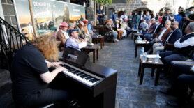 Piyanist Tuluyhan Uğurlu ile Diyarbakırlı dengbejler dinleti sundu…
