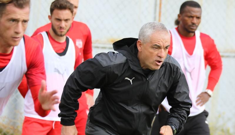Rıza Hoca Sivasspor'u, Adana Demirspor maçına böyle hazırladı…