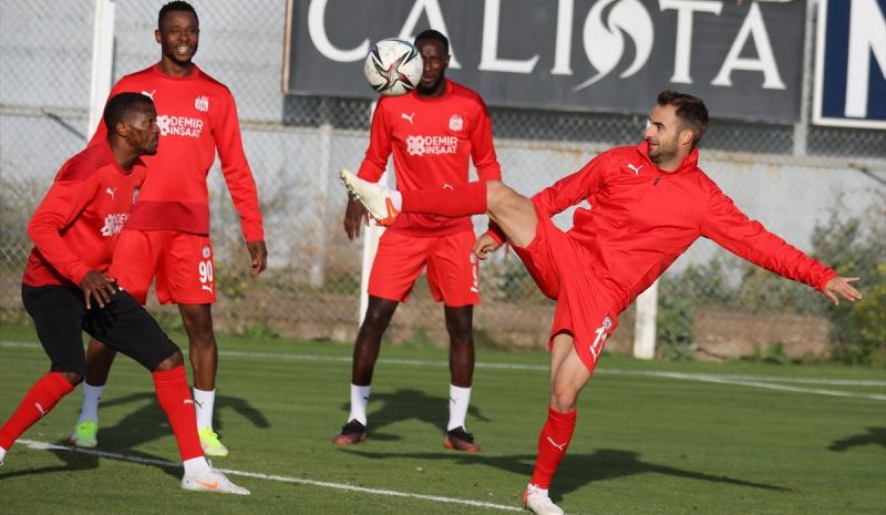 Sivasspor, Adana Demirspor maçının hazırlıklarına başladı