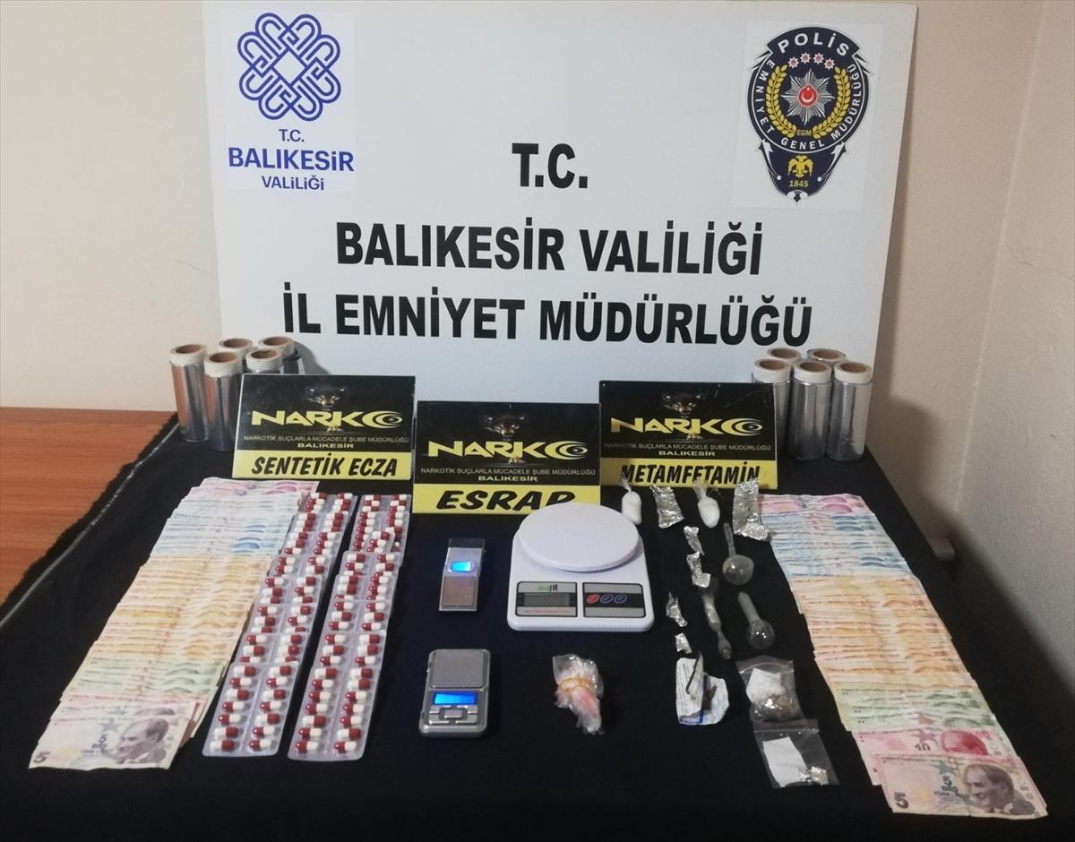 Balıkesir'de uyuşturucu operasyonlarında yakalanan 4 zanlı tutuklandı