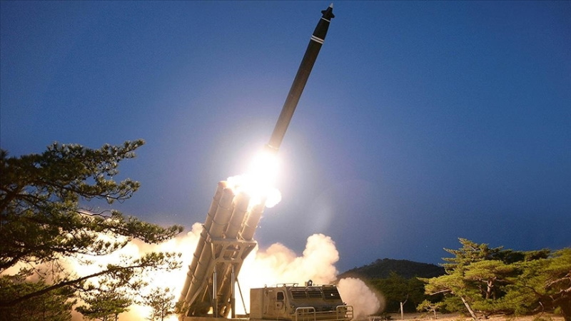 """Kuzey Kore'den """"iki balistik füze"""" denemesi"""