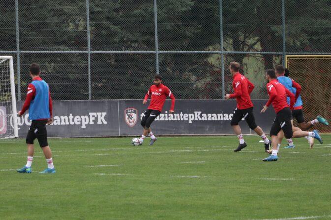 Gaziantep FK Teknik Direktörü Erol Bulut yeni bir başlangıçı hedefliyor: