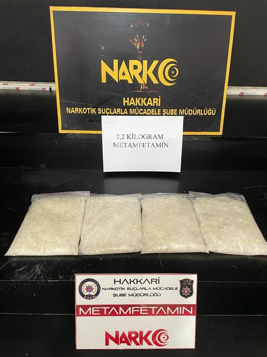 Hakkari'de bir kişi 2 kilo 200 gram sentetik uyuşturucu ile yakalandı
