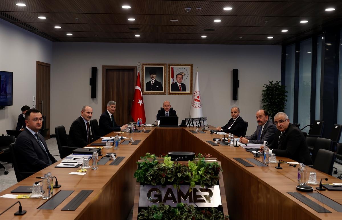 İçişleri Bakanı Soylu, 81 ilin emniyet müdürleriyle görüştü