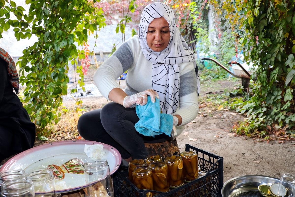 Iğdır'da kazanlar patlıcan reçeli için kaynamaya başladı