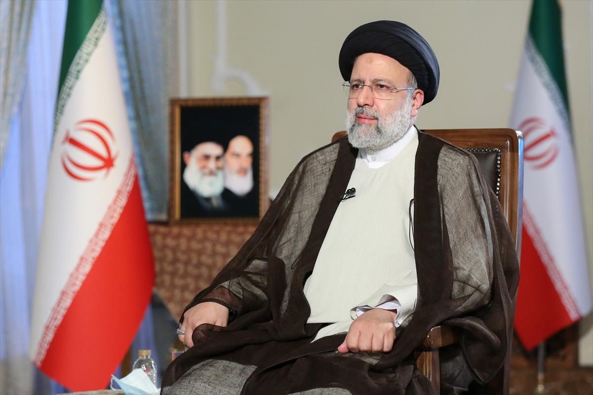İran Cumhurbaşkanı Reisi, ABD'nin ciddiyet göstergesi olarak yaptırımları kaldırmasını istedi