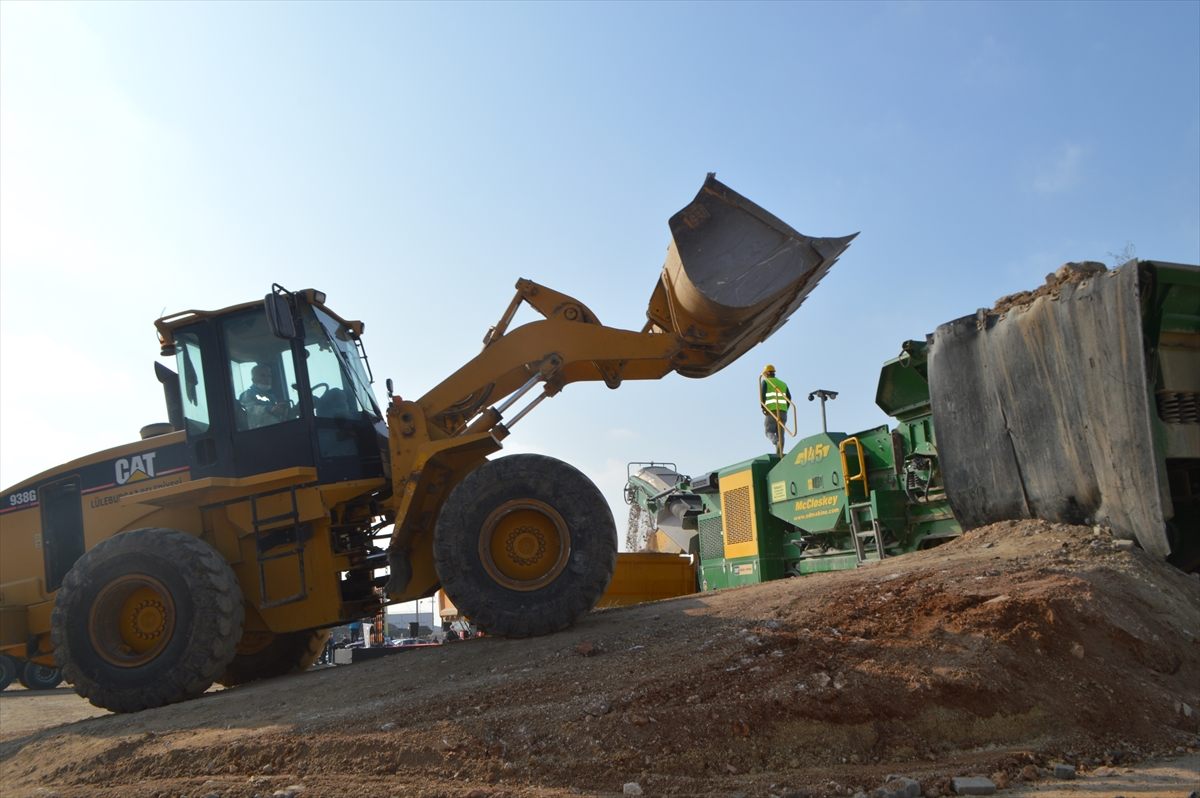 Kırklareli'nde inşaat ve yıkıntı atıkları geri dönüşümle altyapıda kullanılıyor