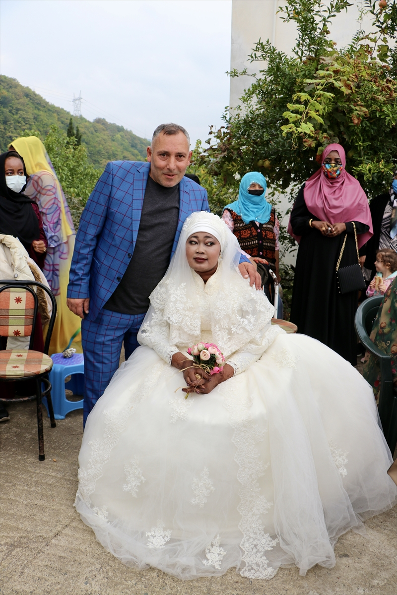 Sudanlı Aisha Trabzon'a gelin geldi