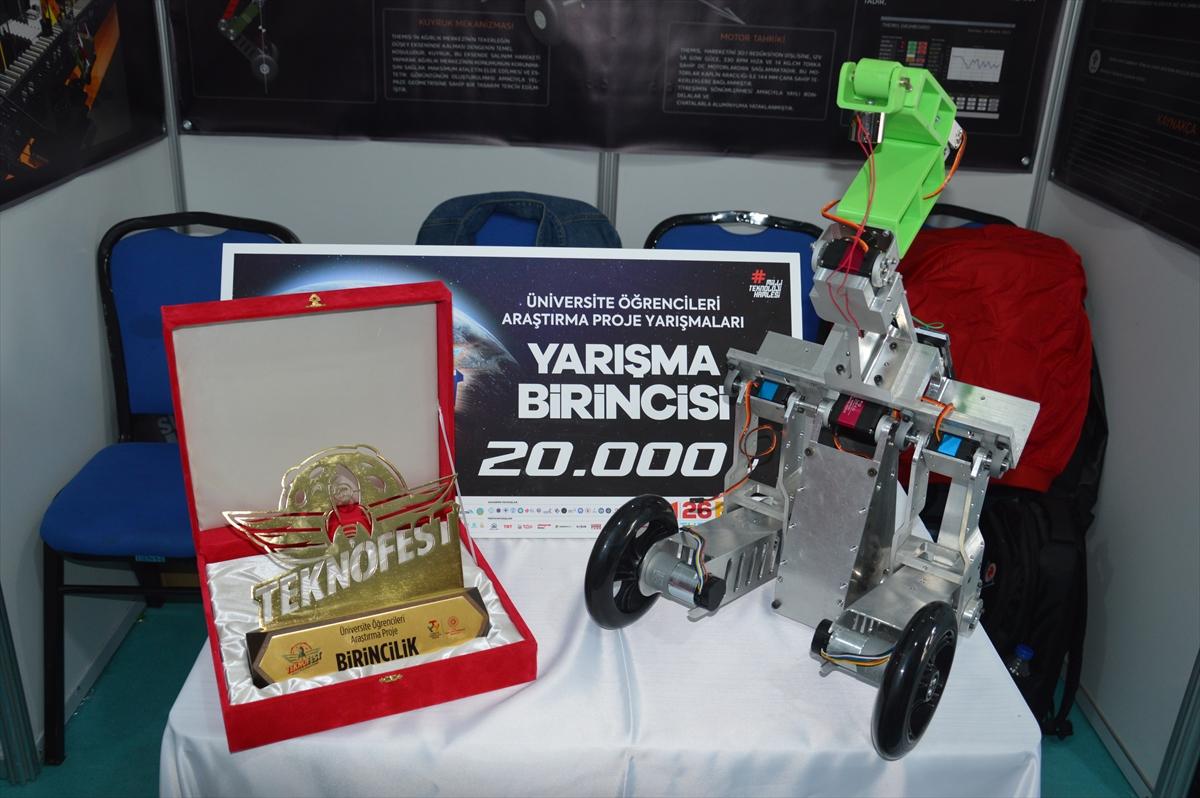 Üniversite öğrencileri ödüllü kuyruklu robotu seri üretmeyi hedefliyor